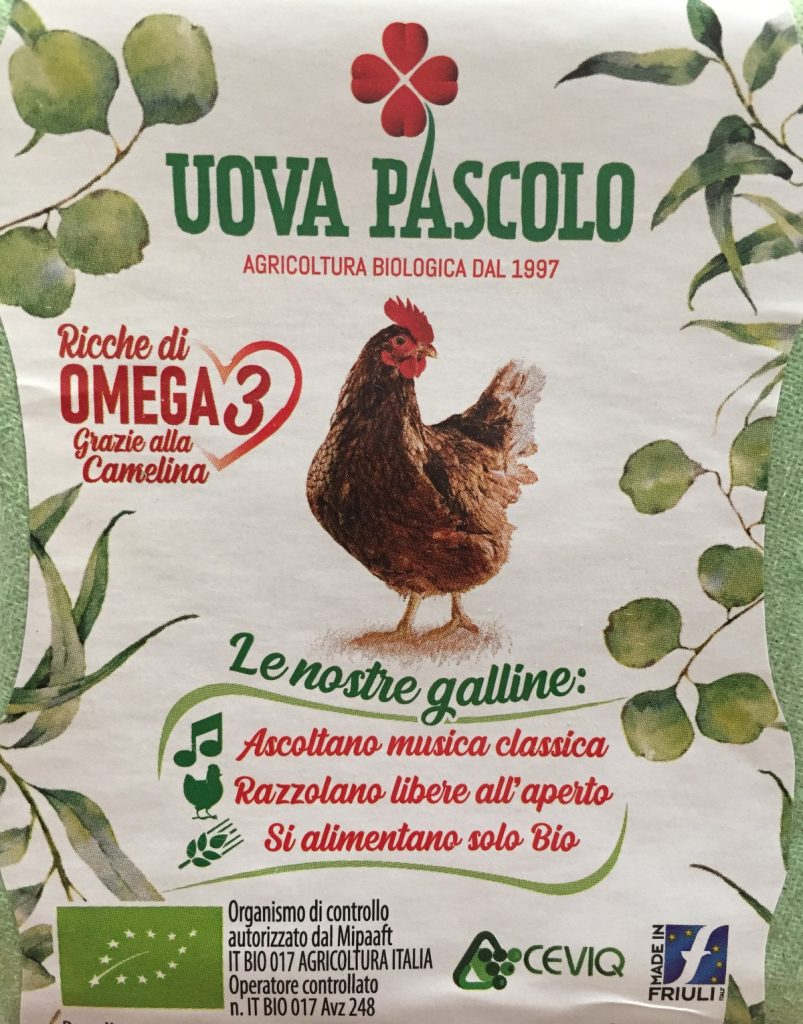 uova di gallina-uova da allevamento a terra-uova da allevamento in gabbia-galline-ristorante pizzeria melograno-udine