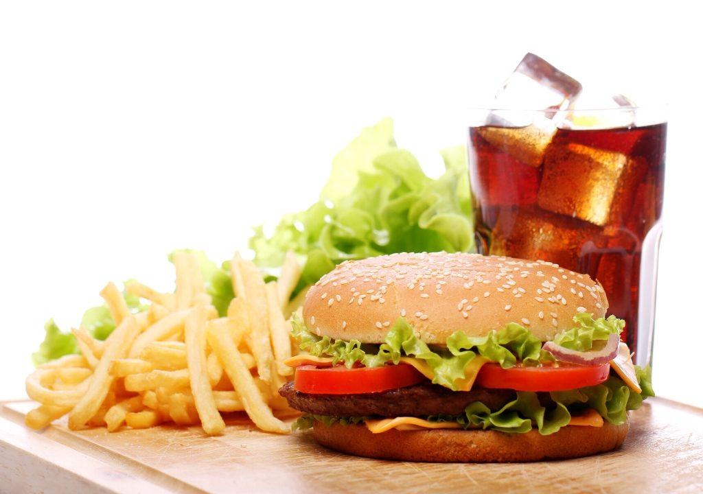 alimenti naturali-alimenti per rafforzare le difese immunitarie-difese immunitarie-per le difese immunitarie-cibo spazzatura-palmanova-melograno trieste